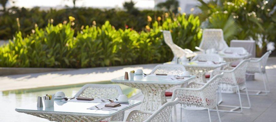 Yas_Viceroy_Patio_Dining_Acentro