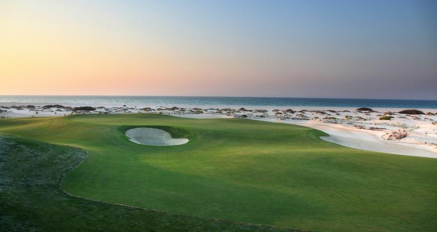 Abu Dhabi Acentro mare viaggio Golf Saadiyat