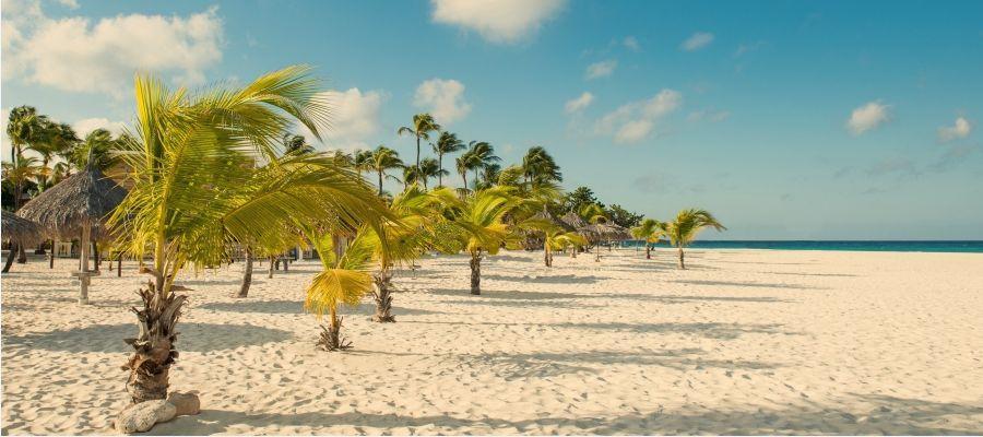 Manchebo_Beach_Resort_Spiaggia-golfvacanze.jpg